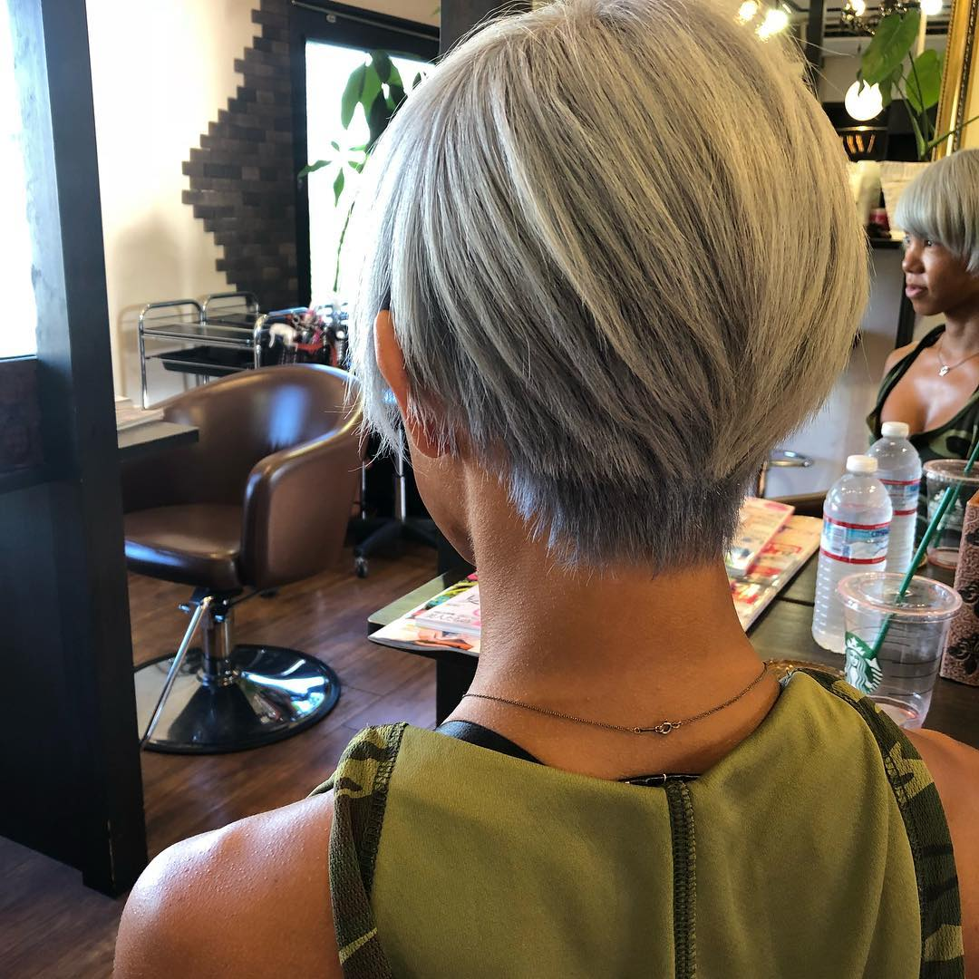 💇🏼‍♀️💆🏼‍♀️💕💕 ・ ・ ・ ・ #FascinatiX #shorthair #shorthairstyles #shortcut #blonde #platinumblonde #渋谷美容院