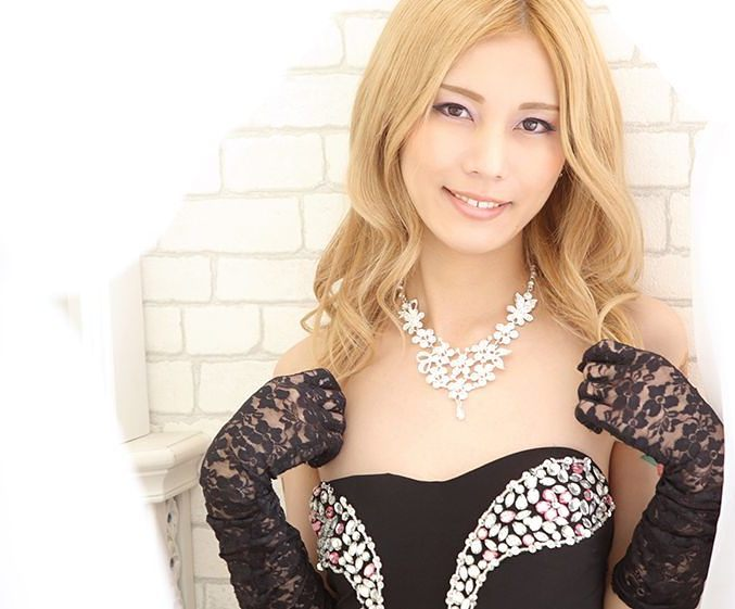 Asian CD in lace gloves