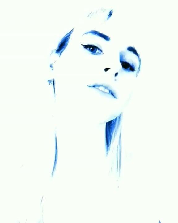 Artistic Lianna Lawson face selfie