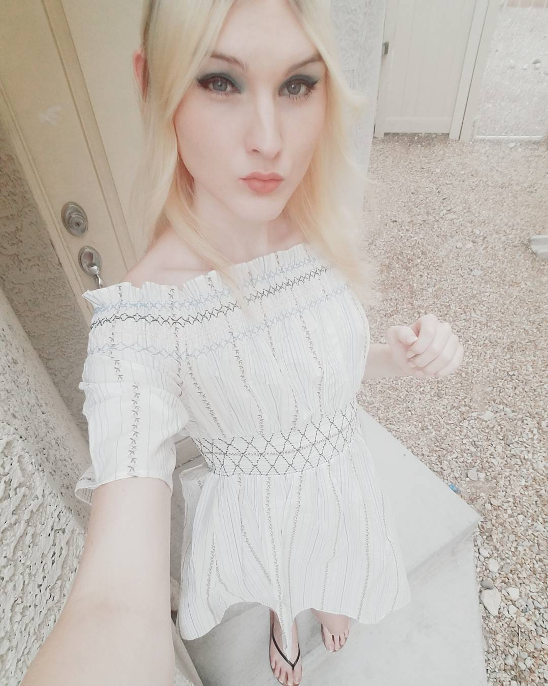 Blonde Trap Jenny Flowers dress selfie