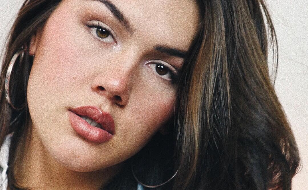 Sexy Daisy Taylor face