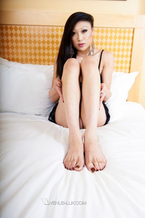 Ladyboy Venus Lux feet
