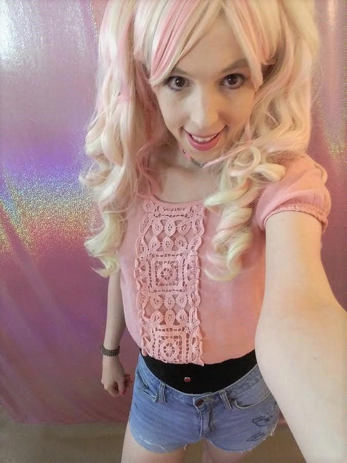 Sissy bimbo princess selfie