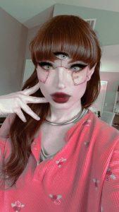 TS Natalie Mars filter selfie