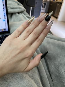 Khloe Kay's fingernails