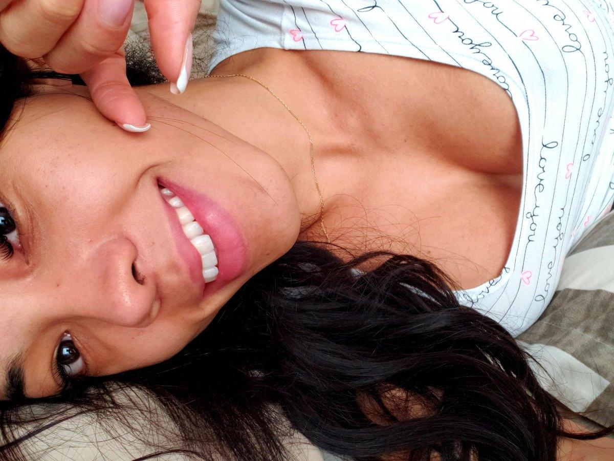 Aranxahot4u cleavage
