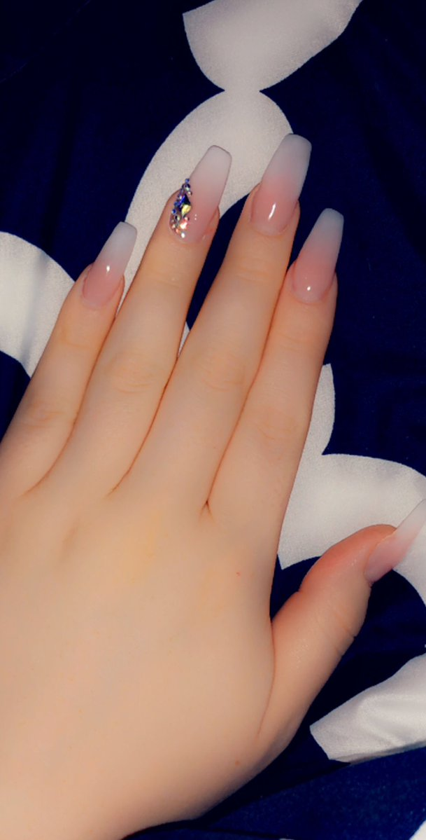 TS Hayley Hilton's new nails with Swarovski rhinestones
