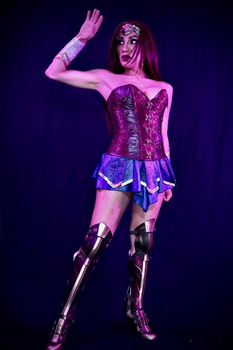 TS Jessy WonderWoman cosplay
