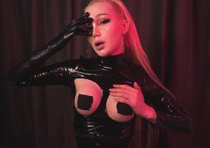 TS Blondelashes19 boobs
