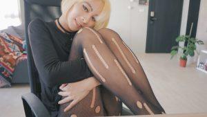 Teen ts Katheryn Lin in ripped pantyhose